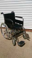 Wheelchair,in very good condition,clean ,from non smoker,light easy to fold,please phone for more information, 120 ONO Ph 07 4659 79500409 568 314