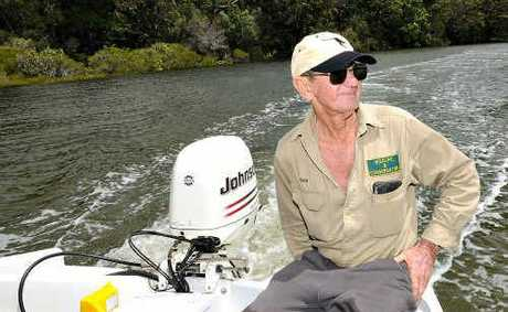 Wildlife hero Bob Irwin has issued a call to arms for all Australians to save Snapper Creek and the Great Sandy Straits.