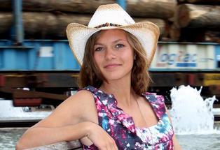 MissWaimarama.feature image t460 Non nude melissa teen model | Galleries | mini preteen models.com