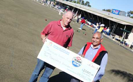 Warwick Smith and Shyam Verma at the Jindalee Bowls Club