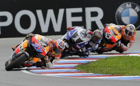 Casey Stoner is 37 points off the pace after a finishing eighth in Italy.