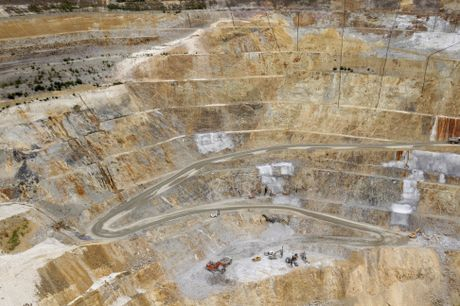 Hauraki Maori have accused Newmont Gold of reneging on a deal to close Martha Mine.