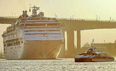 The Sun Princess arrives in Brisbane.