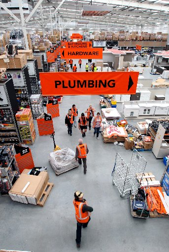 Forty South Auckland jobseekers will start work when Mitre 10 opens its Manukau Mitre 10 mega store tomorrow.