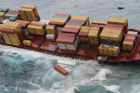Containers fall from the Rena off the Coast of Tauranga