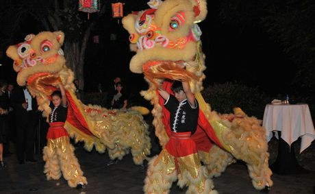 A traditional Chinese dragon.