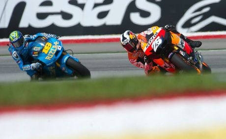 Dani Pedrosa (left) and Alvaro Bautista.