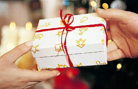The State Government is asking people to use caution when purchasing gift cards as presents. 
