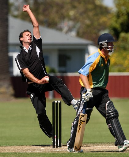 EXPERIENCED OPTION: Kurt Richards assumes the mantle of new-ball opener for the Hawke Cup game. PHOTO/APN