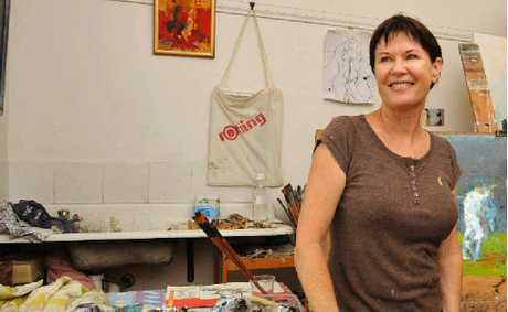 Grafton artist Julie Hutchings will be painting at the SCG Test next week.