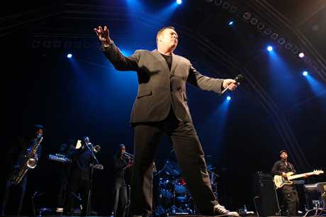 Ali Campbell performing at Raggamuffin