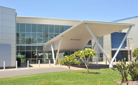 The main entrance of Coffs Harbour Health Campus.