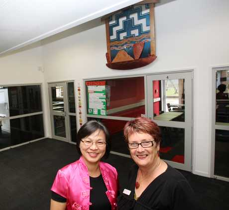 Mandarin Chinese teacher Vivien Ting and Tauranga Girls' College principal Pauline Cowens at the new Chinese Community School.