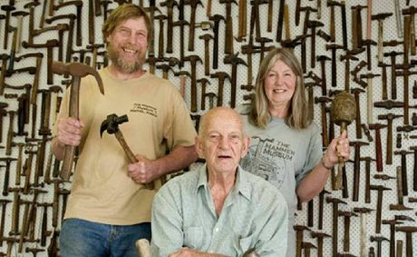 Alaskan hammer collectors Dave and Carol Pahl visited Toowoomba hammer collector Rupe Wisseman (front).