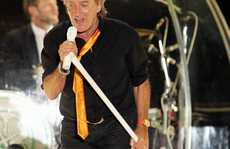 Rod Stewart wore it well and sang up a storm at last night's Mission Estate Winery Concert.