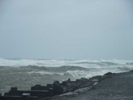The weather that battered much of Northland yesterday created waves of over four metres in the Bay of Islands.