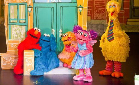 Extra show added to Elmo's World Tour | Mackay Daily Mercury