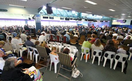Coffs Harbour 3-4-11 Scenes from the Circuit Assembly of Jehovah's Witness at the Coffs Harbour Racecourse Photo Frank Redward