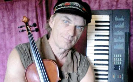 Singer and multi-instrumentalist Andy Holm from Byron Bay is one of just 64 out of 6000 who auditioned to reach the semi-finals of Australias Got Talent 2012.
