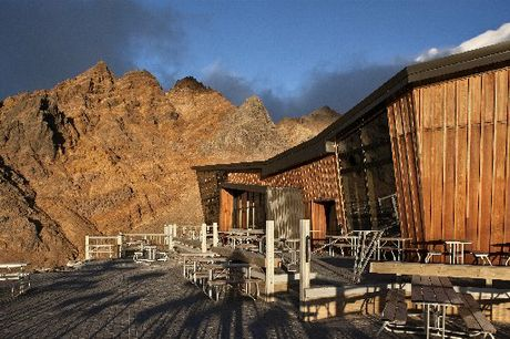 The award-winning Knoll Ridge Cafe 2020m up Mt Ruapehu, designed by Whangarei's Grant Harris.