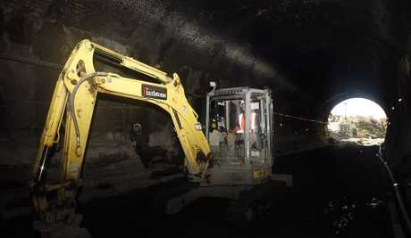 KiwiRail contractors working in Parnell Tunnel (File photo)