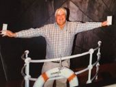 LOOK out James Cameron - Clive Palmer's got a Titanic movie of his own in the works.