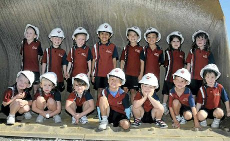 Prep students from St Stephen's Primary visit Bechtel Aggregate Loading Facilities in Gladstone.