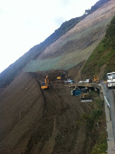 BIG JOB: The biggest pile of dirt ever seen on New Zealand highways has been removed from a section of the Manawatu Gorge. PHOTO / FILE