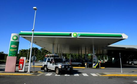 Emergency services evacuated a BP service station in Chinderah after an LPG bowser was found to be leaking gas.