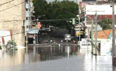 Ipswich CBD under water in 2011.