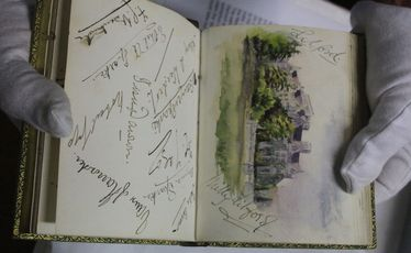 Whangarei Museum has an autograph book that once belonged to Lady Elizabeth Seaton nee Drake.