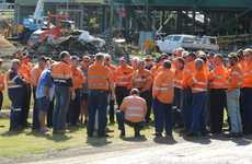 Workers discuss their issues with the union representatives outside the Millaquin Mill.