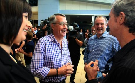 Wayne Swan and Justine Elliot talk to Mark Richards (Right) with Andrew Stark.