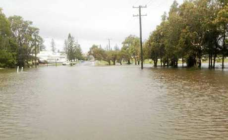 EXPERTS are to gather in Melbourne tomorrow for a three-day conference examining how to deal with climate change, including extreme weather events like flooding.