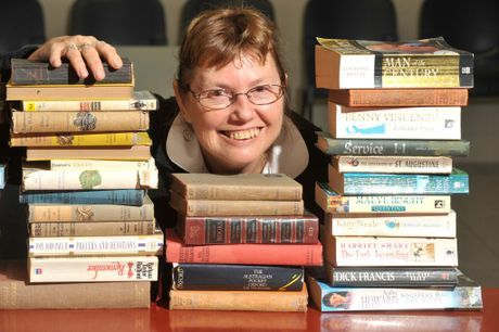 The Lavally Lodge Bookfest preview. Toni Howard gets ready for the book sale. Photo:Warren Lynam / Sunshine Coast Daily