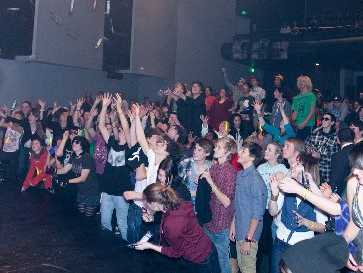 A packed Clarence St Theatre hosted the Waikato finals of smokefreerockquest 2012.