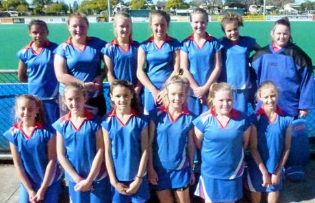 Grafton Red Team in no order is: Rebecca Hutchinson, Chloe Campbell, Bonne Moon, Sarah Donnolly, Ellynie Cameron, Ruby Hackett, Molly Hargans, Kaitlin Pardoe, Phoebe Brown, Elly Shipman, Alicia Cumberland, Pam Williams, Hailey Duroux and Sam Duroux.