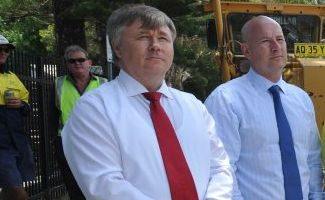 NSW Opposition spokesman on regional infrastructure Mick Veitch and Opposition leader John Robertson in Grafton last year.