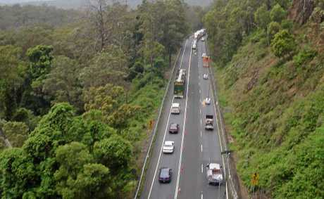 Motorists travel through Cunninghams Gap but Warwicks LNP Women want to see another option considered.