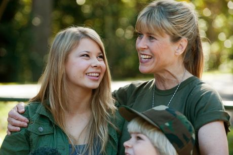 Bindi Irwin celebrates her 14th birthday at Australia Zoo with mother Terri and younger brother Robert.