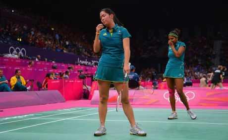 Leanne Choo (L) and Renuga Veeran (R) have been knocked out of the women's doubles.