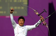 South Korea&#39;s Oh Jin-hyek survived a number of upsets to win gold.