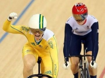 Anna Meares celebrates winning the gold medal ahead of Victoria Pendleton of in the women&#39;s sprint track cycling final on day 11 of the London Olympics. 