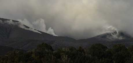 RESTLESS: Steam billows from vents on Mt Tongariro on Wednesday, following the eruption on Monday night. PHOTO/FILE