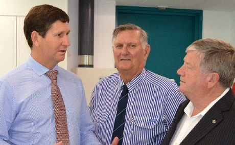 Health Minister Lawrence Springborg visits Mackay Hospital's new mental health clinic, with MP Ted Malone and Health Board chairman Col Meng.