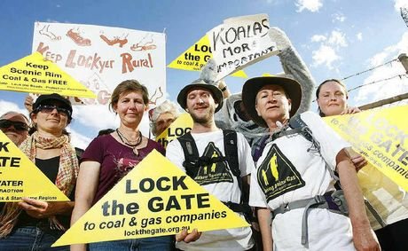 Linda Weston and Cameron Mitchell walked 125km to raise awareness about CSG.