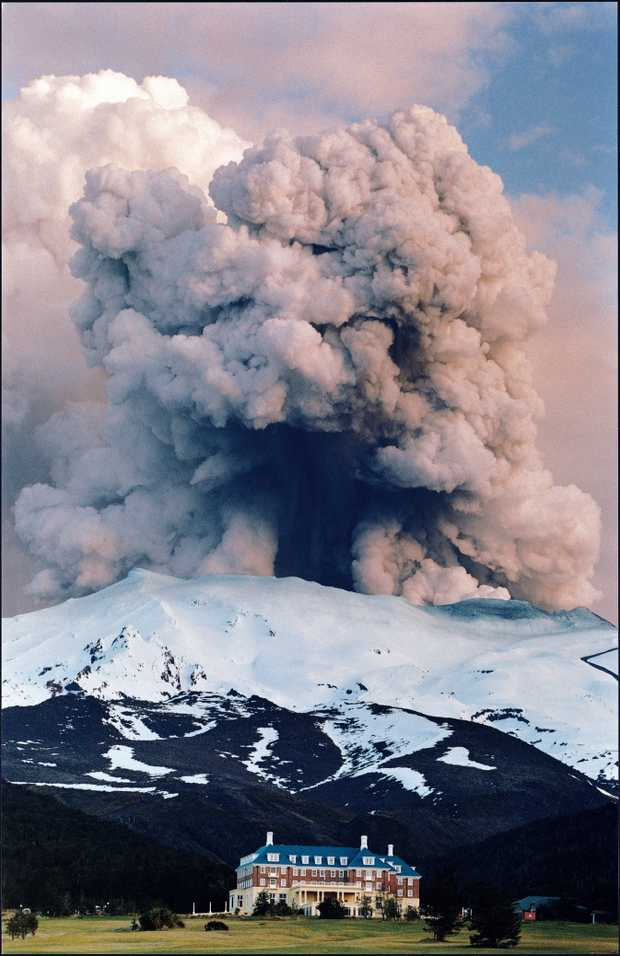 Mount Ruapehu Eruption 1995.