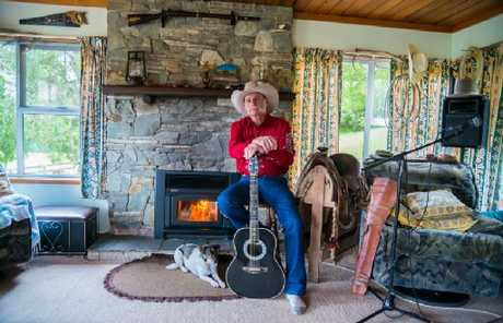 Neil Hersey prefers the outdoor life at his ranch but, for the sake of his music, is embracing technology.
