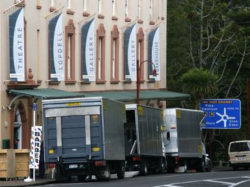 Lopdell House in Titirangi is moving while the building undergoes a makeover, seismic strengthening, heritage restoration and the addition of a new gallery space to meet international standards.