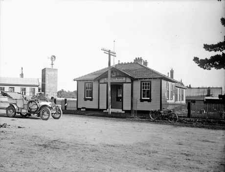 POST OFFICE: For the early settlers, mail was an important link to their families in the UK.PICTURE/THE ALEXANDER TURNBULL LIBRARY HTTP://TIMEFRAMES.NATLIB.GOVT.NZ/
